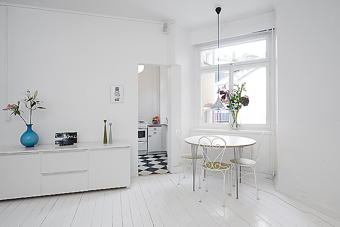 clean-white-small-apartment-interior-design-8